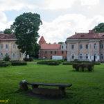 Zamek Czerwony Dwór wRaudondvaris