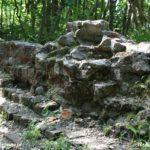 Nikłe pozostałości zamku w Złocieńcu