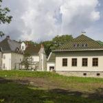 Dwór obronny w Łodygowicach
