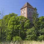 Zamek w Przezmarku, wieża na podzamczu