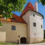 Zamek w Bausce brama renesansowa