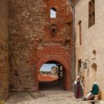 Zamek w Bausce brama