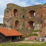Zamek w Bausce wieża pł-zach